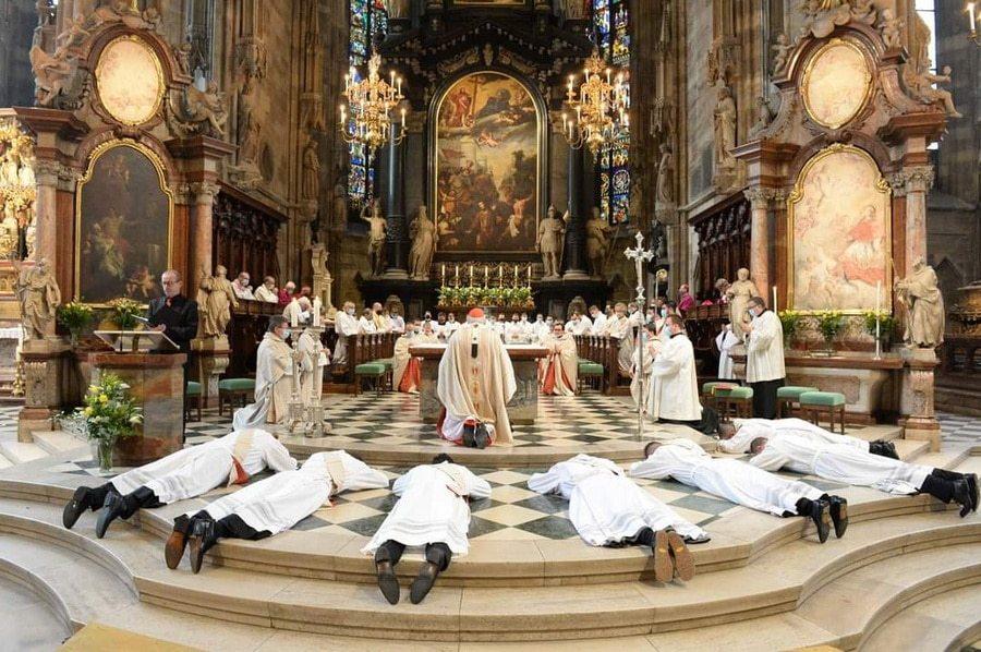 Priesterweihe-Benedict-Charbel-20201017_02
